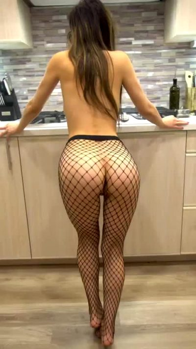 Do Your Pants Get Tighter When I Wiggle My Little Ass Like This?