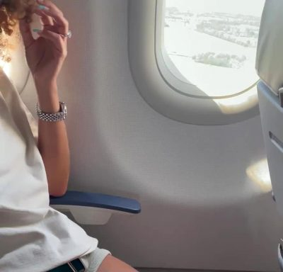 Flashing In The Airplane