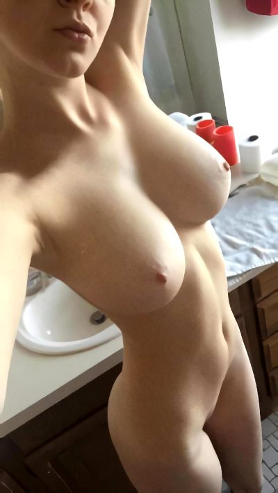 I Love Showing Off My Petite Nude Body For You 💕