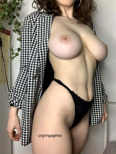 I Might Be A Small Girl, But My Tits Are Big😏