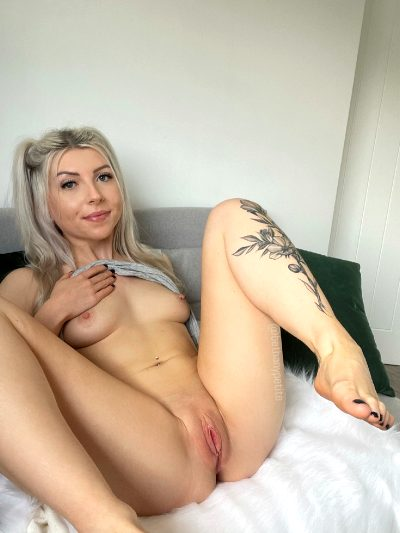 I Never Show My Pussy From The Front So… What Do You Think?