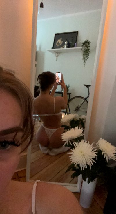 If Even 4 Guys See My 18 Y/o Ass, I'll Celebrate And Fuck Myself 💕