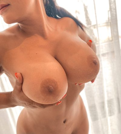 If Even 7 Guys See My Boobs, I'll Make Myself Cum Today