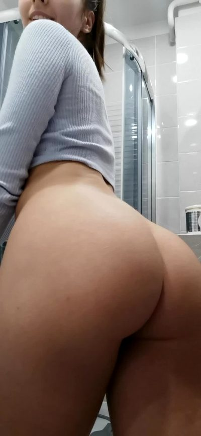 Im Barely Legal But I Would Fuck Every Older Guy Here