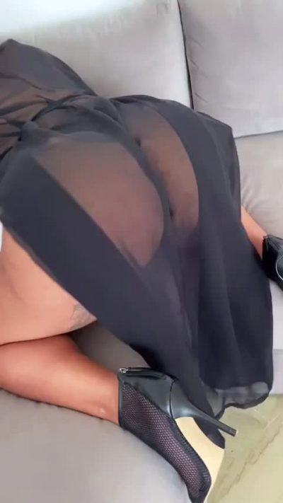 Should A 40yr Old Latina Mom Still Shaking Her Big Ass On Reddit In 2021 ? 😏🙇🏽♀️