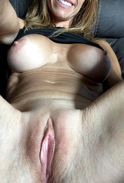 Small Favor. Lick Me, Thanks👅….45 Female