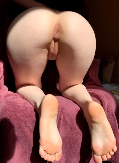 Will You Lick My Pussy Or Will You Fuck Me Right Away?